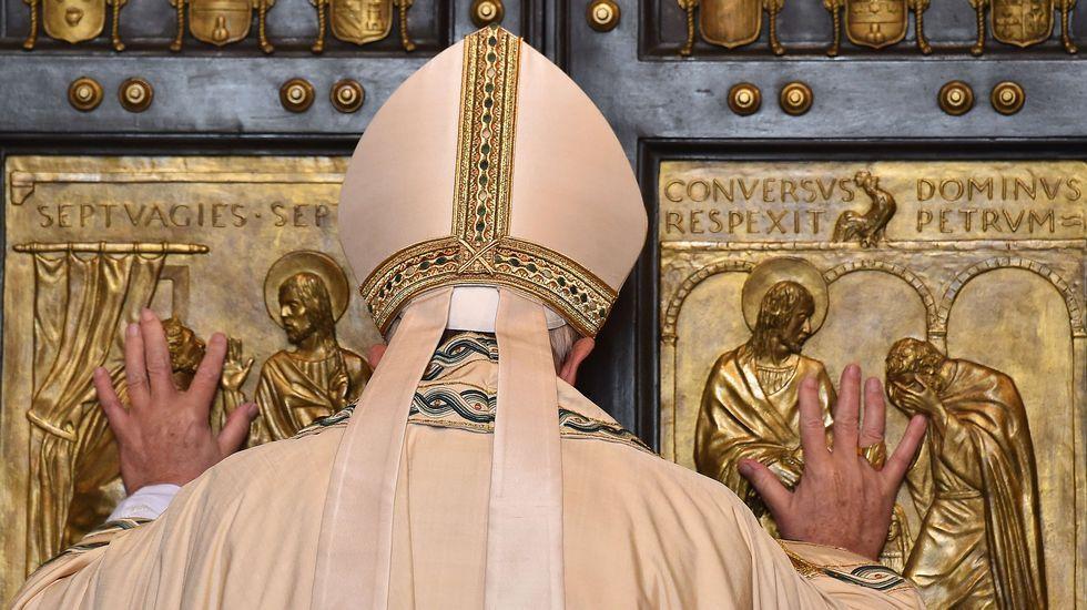 Expectación en el Vaticano.Jaime Ortega, junto al presidente cubano Raúl Castro