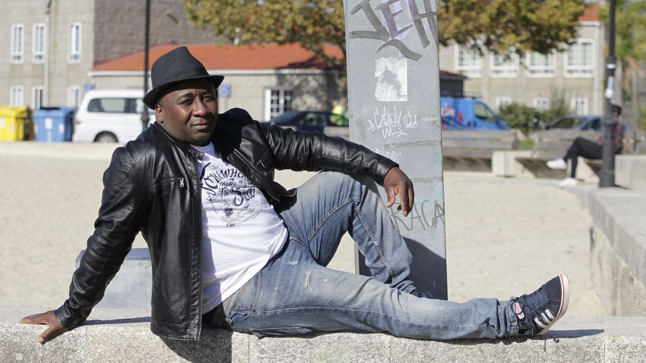 El fútbol más solidario de Arousa llega a Guinea.Dani Guindos, seleccionador de Guinea Ecuatorial