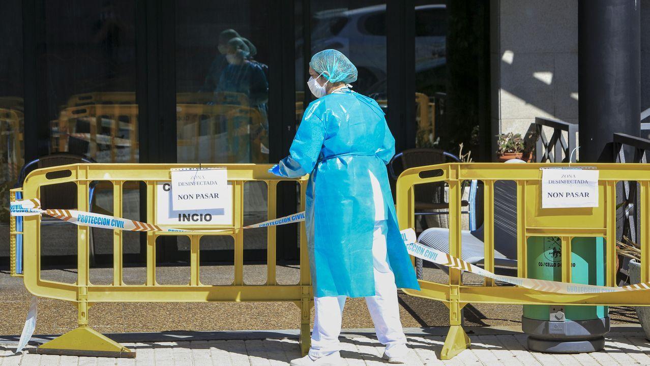 Comparecencia de los conselleiros de Sanidade y Educación tras el comité clínico.Vista general de un químico analítico en la sede de AstraZeneca en Sydney, Australia
