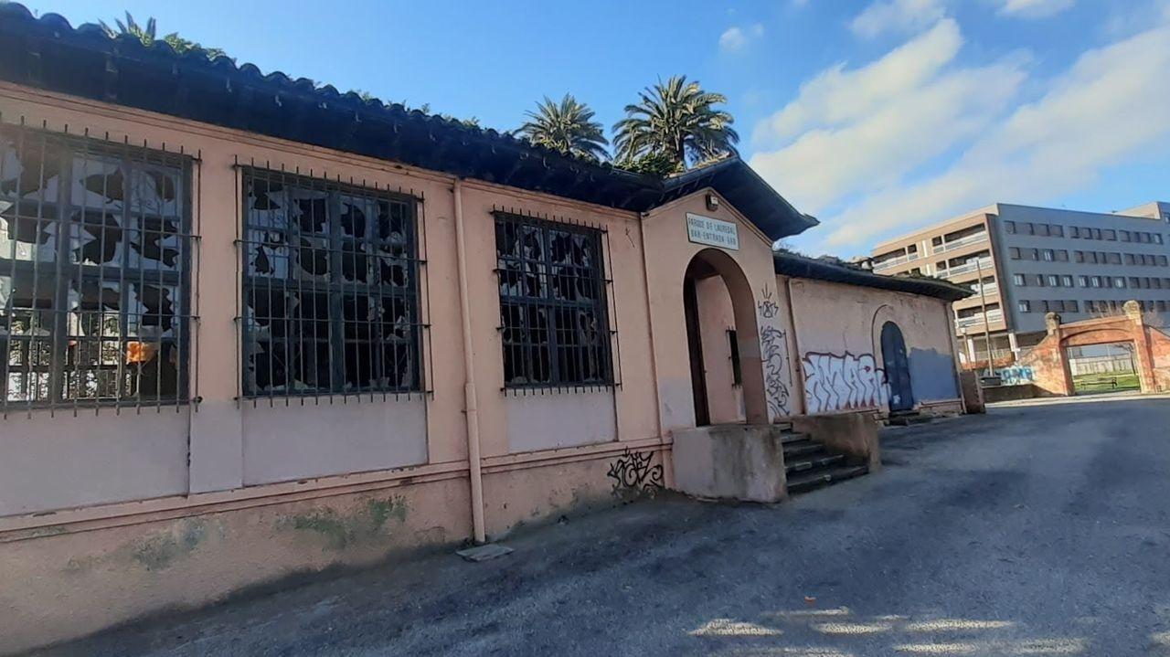 El edificio del bar de El Lauredal, abandonado desde hace tres años