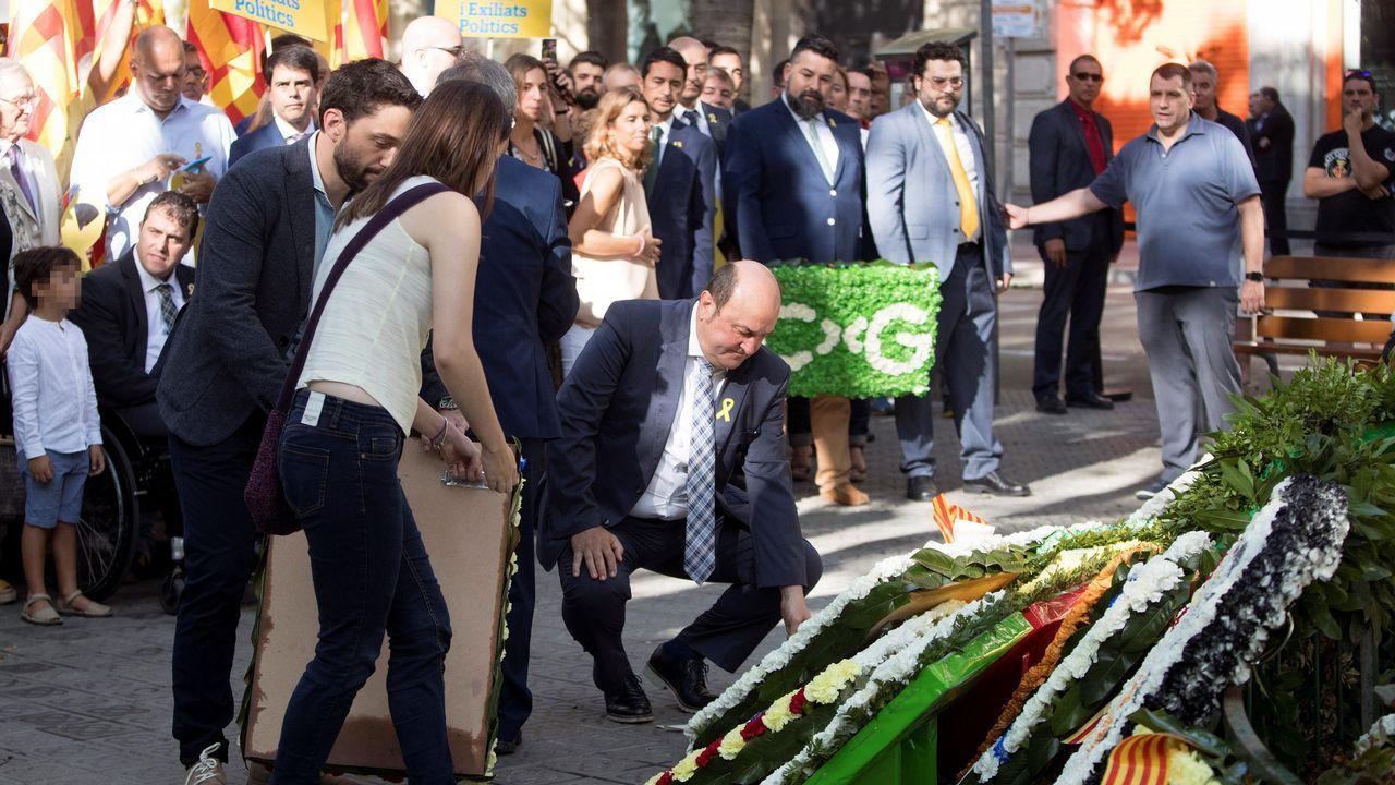 El presidente del PNV, Andoni Ortuzar, participó también en la ofrenda floral.