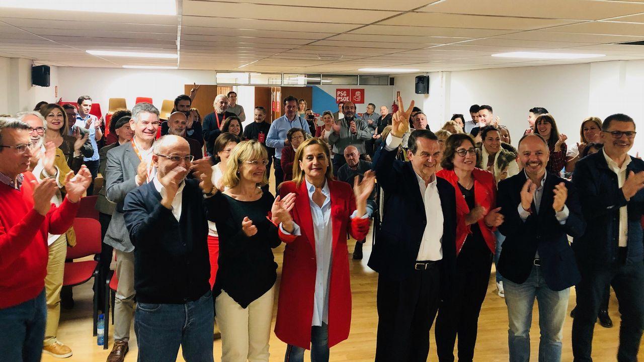 El PSOE de Vigo celebra la victoria de las generales.Cayetana Álvarez de Toledo y Pablo Casado, en un acto electoral en Barcelona
