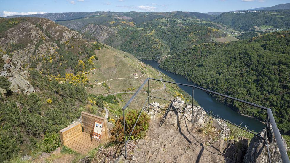 Una vista desde el mirador soberino de Pena do Castelo