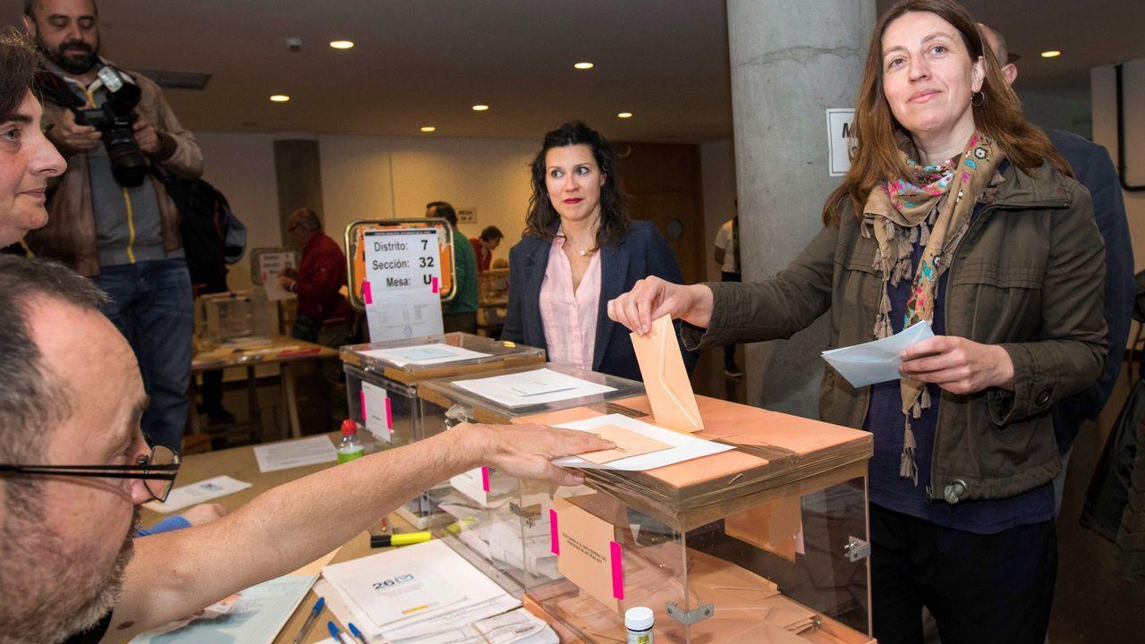 Lorena Gil vota el 26M