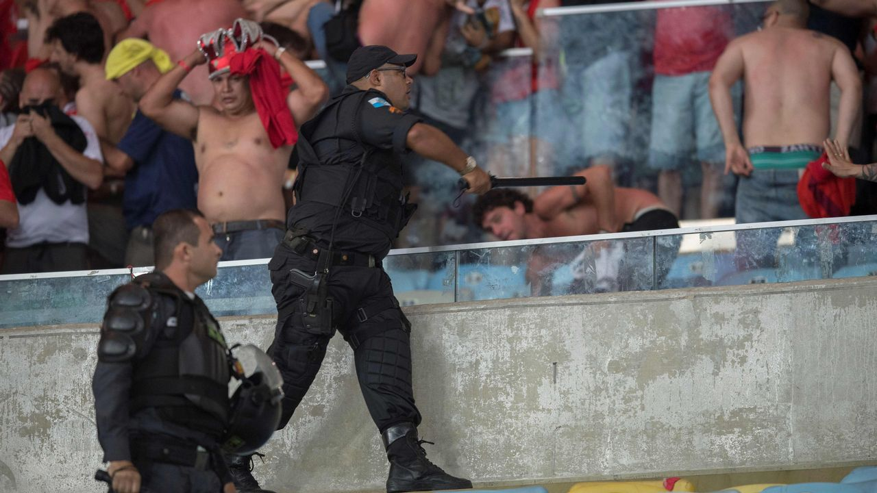 Graves incidentes en la final de la Copa Sudamericana.Ronaldinho en el sorteo del Mundial en Rusia