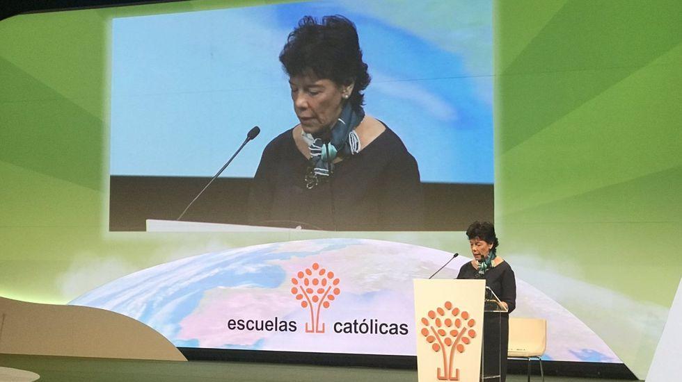 Una oportunidad de oro.Isabel Celaá presidió la inauguración, el pasado noviembre, del congreso de Escuelas Católicas. Allí fue donde dijo que el derecho a la educación concertada no emanaba de la Constitución