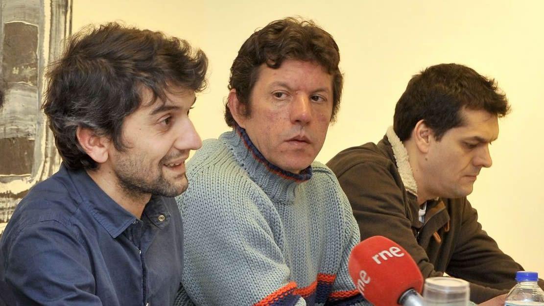 Carlos del Río, en el medio, encabezará Xuntos Actúa