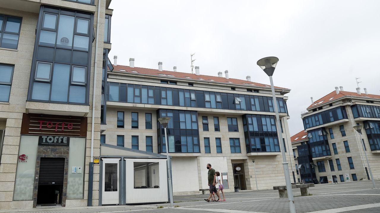 Durante el bum inmobiliario se construyeron numerosos edificios en Rianxo, muchos de los cuales se destinaron a segundas residencias