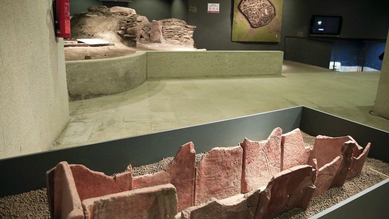 En el Centro Arqueolóxico de San Roque hay varias tumbas y un horno romanos