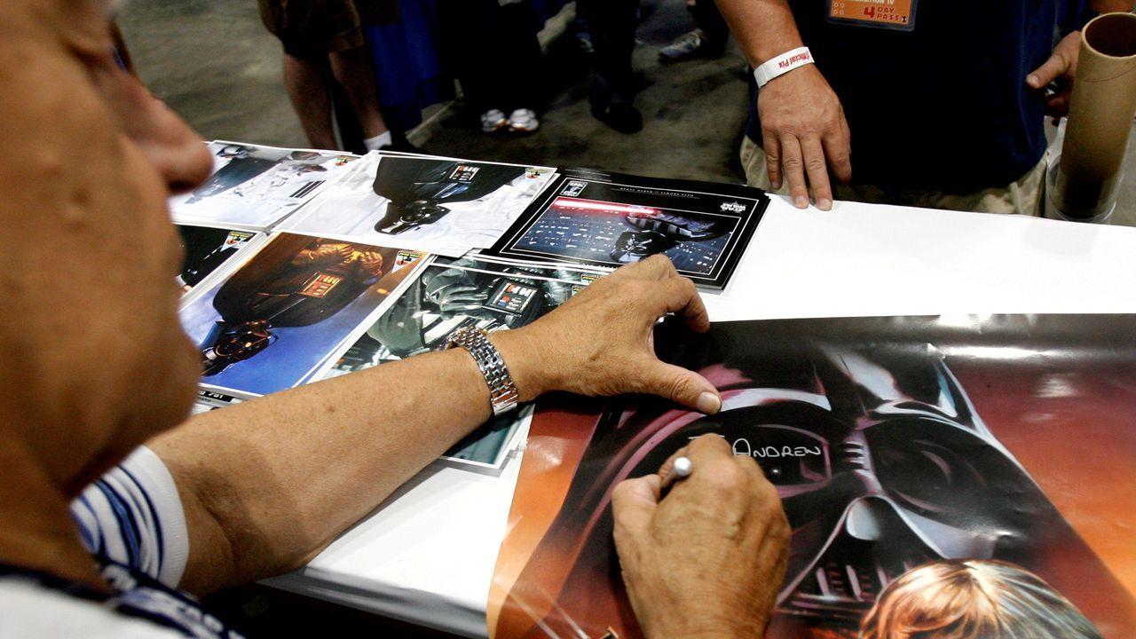 David Prowse en una firma de autógrafos