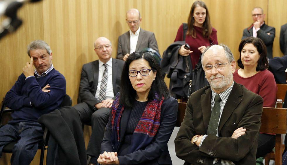 Registro en el concello de Poio.El exalcalde Agustín Fernández y la exedila Marga Martín acompañaron a Soto y Hernández.