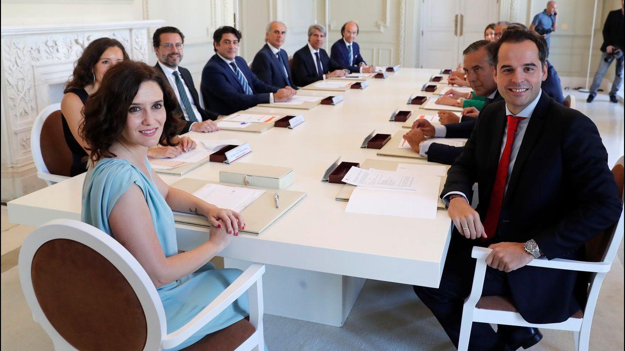 El Ejecutivo insiste: «No se observan condiciones para un gobierno de coalición».La presidenta de la Comunidad de Madrid, Isabel Díaz Ayuso, y sus consejeros