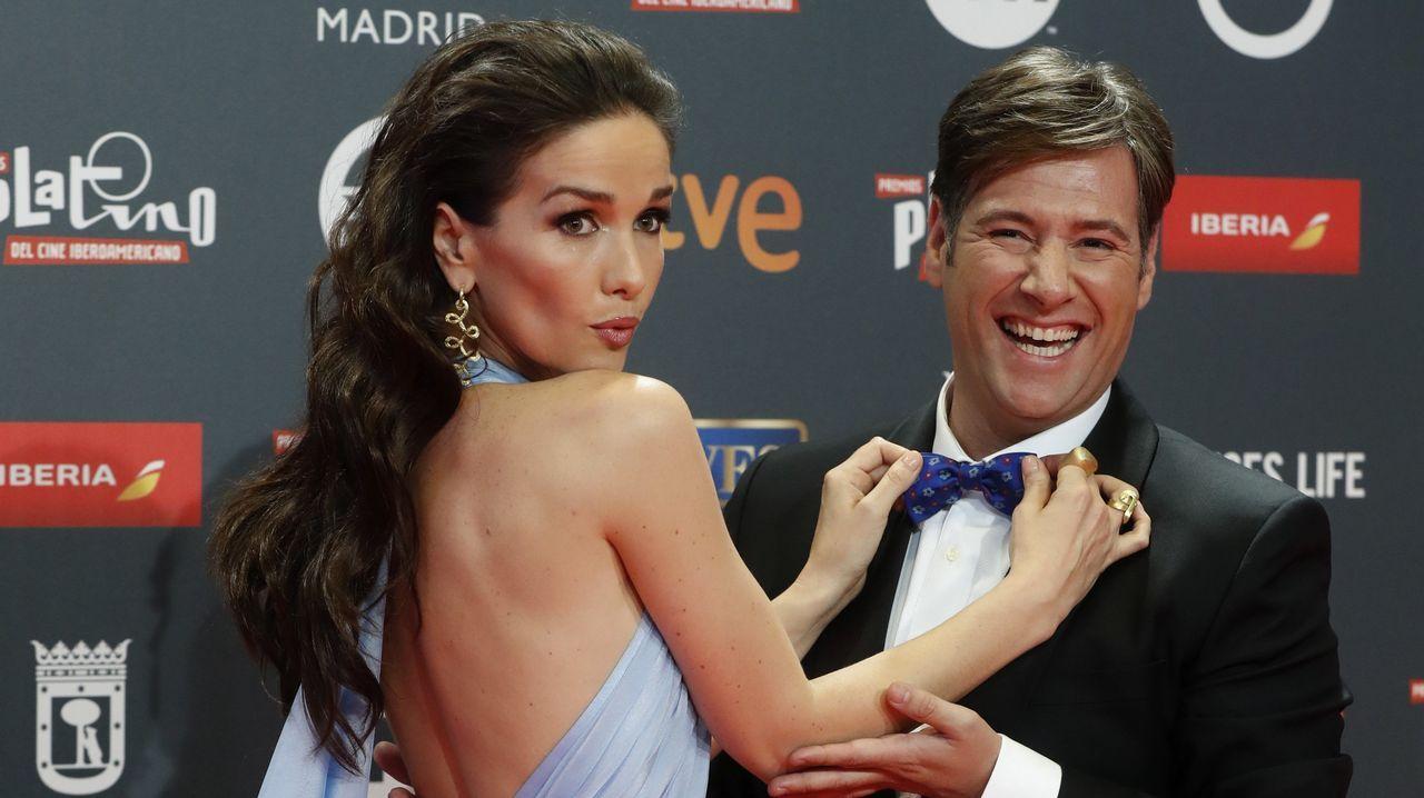 El humorista y presentador de la gala Carlos Latre junto a la actriz uruguaya Natalia Oreiro