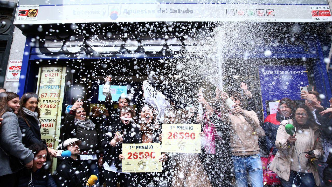 EN DIRECTO: Esta administración de Vigo ha vendido una serie del segundo premio.Sorteo de Loteria de Navidad