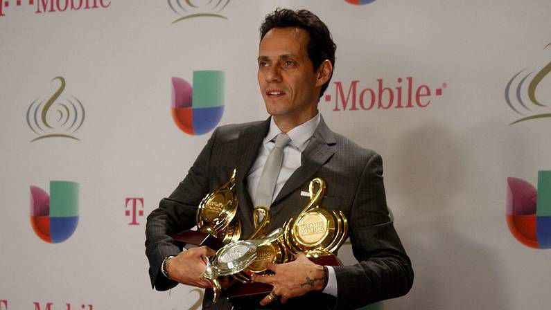 Marc Anthony, con sus galardones