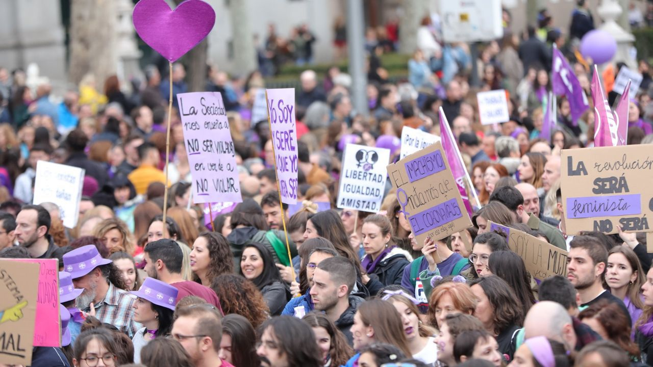 En directo | Comparecencia de Fernando Simón.Barcelona, que pasó este lunes a fase 2 de la desescalada, es una de las zonas más afectadas por la pandemia