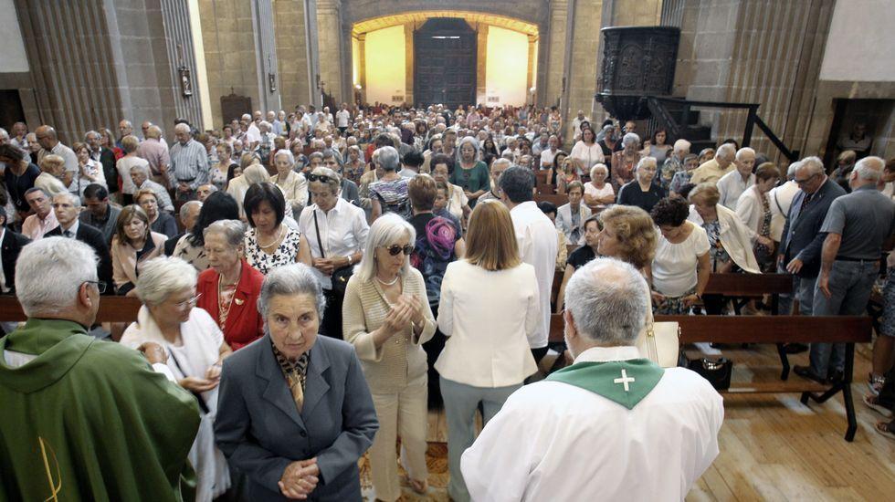 Cientos de personas llenaron la iglesia del Cardenal este domingo en la misa especial del cuarto centenario