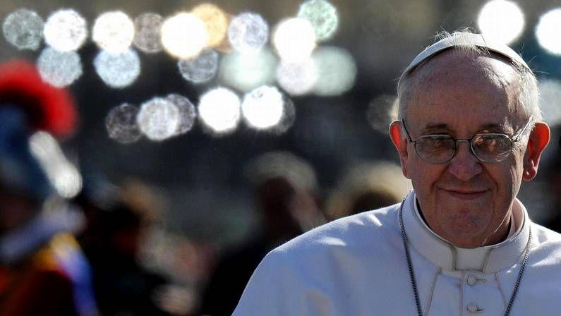 Tiroteo frente al Palacio de Gobierno.Un grupo de monjas esperaba el mensaje del papa Francisco el pasado Viernes Santo.
