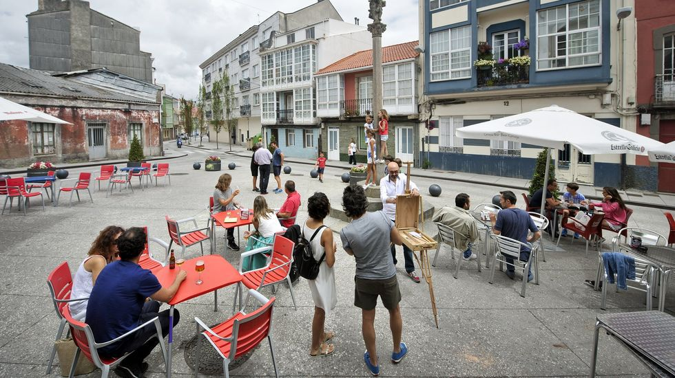 Conductas peligrosas de peatones de Santiago.Plaza del Cruceiro, en foto de archivo