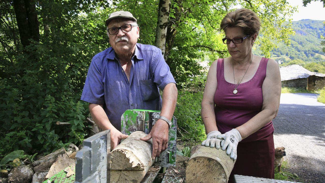 Santiago e María Adelina viven tranquilos en Vilela, en plena Serra do Courel