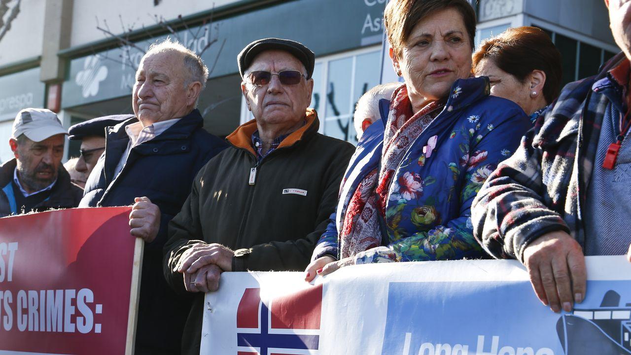 Asturias tendrá su ley de Derechos y Prestaciones Vitales.El lendakari, Iñigo Urkullu, en medio de la ministra de Política Territorial, Carolina Darias, y el consejero vasco de Gobernanza Pública y Autogobierno, Josu Erkoreka,  en Vitoria