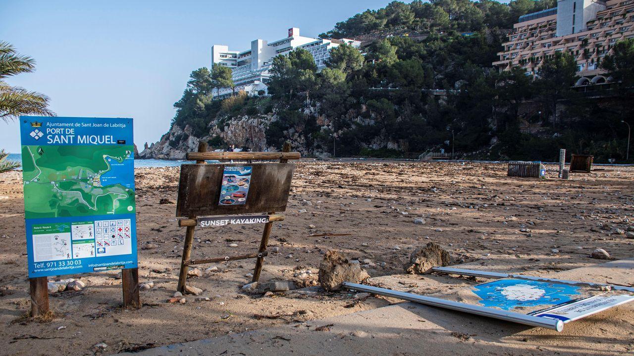 Una imagen de los desperfectos que ha dejado la borrasca Gloria en el Port de San Miquel, en Ibiza