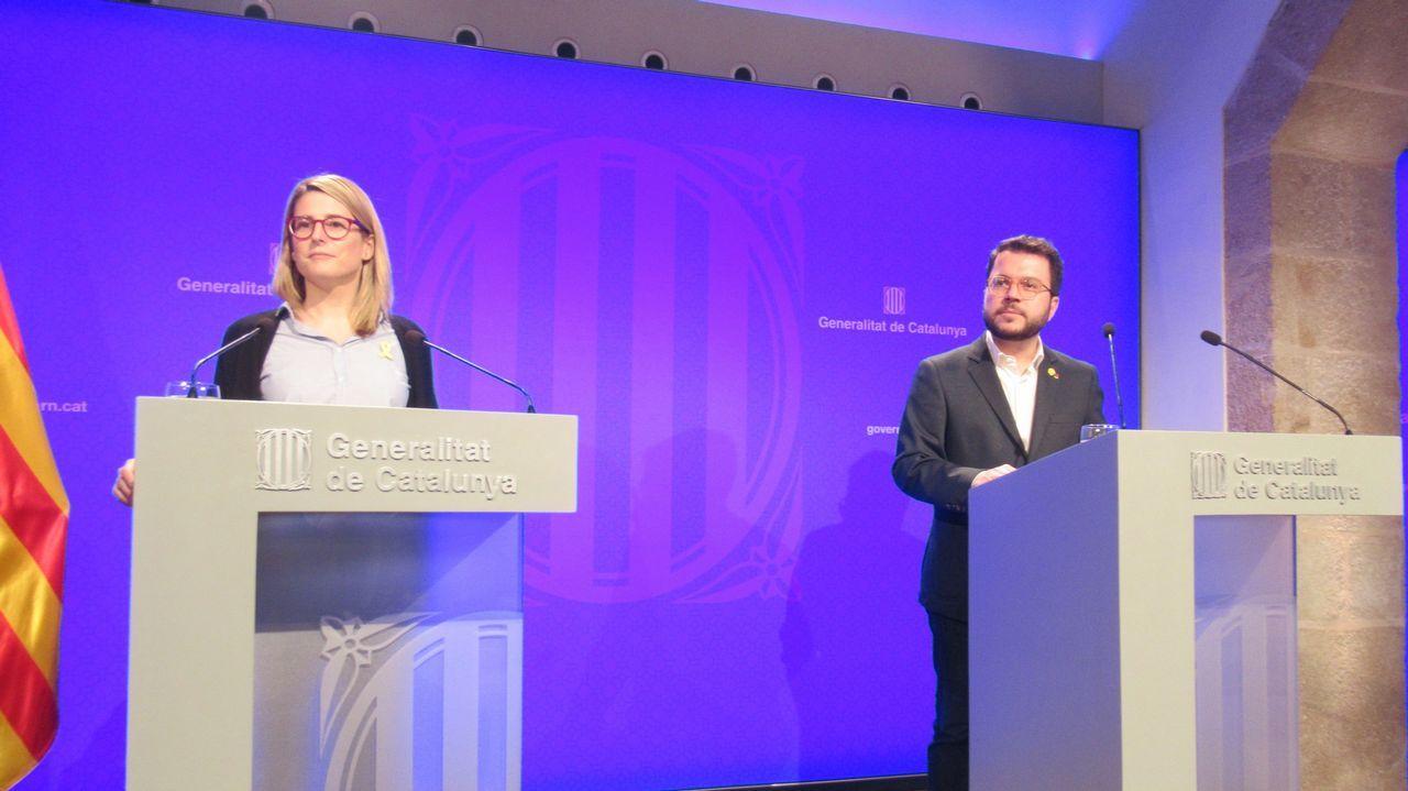 La consellera de Presidencia, Elsa Artadi, y el vicepresidente de la Generalitat, Pere Aragonès, durante la rueda de prensa de hoy