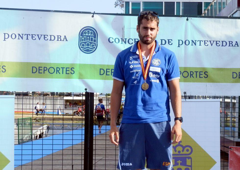 Gómez Noya y el éxito de las mujeres.El vilagarciano Diego Romero le ganó ayer la partida en el C-1 1.000 al cesureño André Oliveira, tercero.