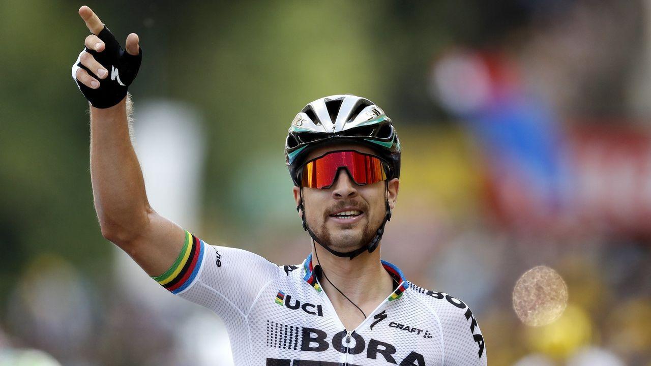 Alberto Contador anuncia su retirada.Dani Navarro e Iván Cortina