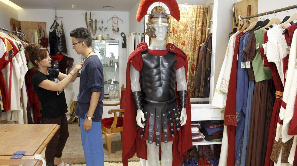 Las mil romerías que alumbraron una industria.Denuncias por el alumbrado público son habituales en Ourense