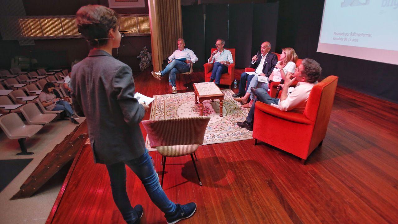 Pedro Sánchez visita Oviedo junto a Wenceslao López, Adrián Barbón y Adriana Lastra.Malú y Albert Rivera