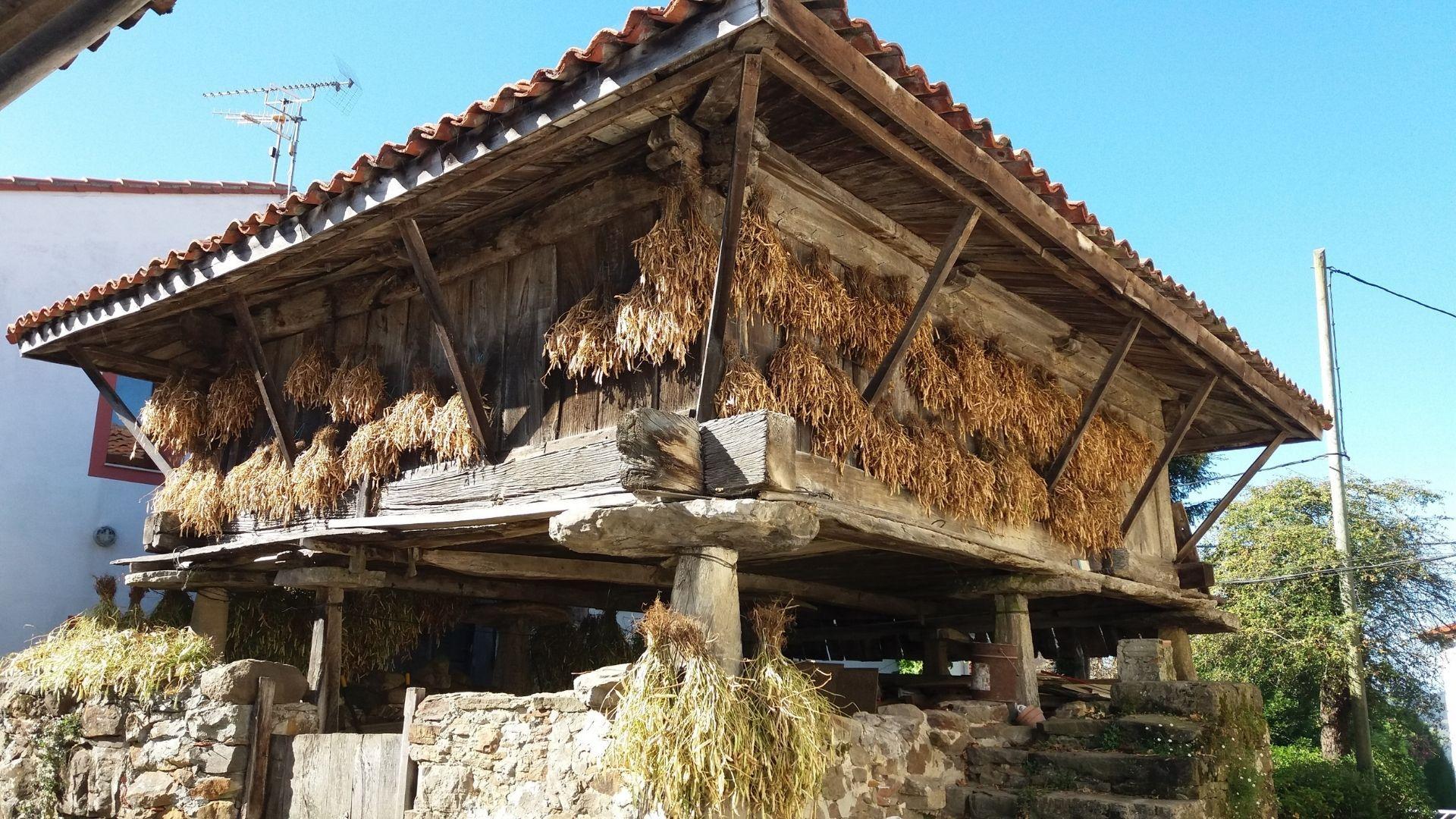 Panera construida alrededor de 1700 en Carrandi