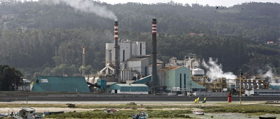 El futuro de la fábrica de Ence está pendiente de una decisión del Estado sobre la prórroga de la concesión más allá del 2018.