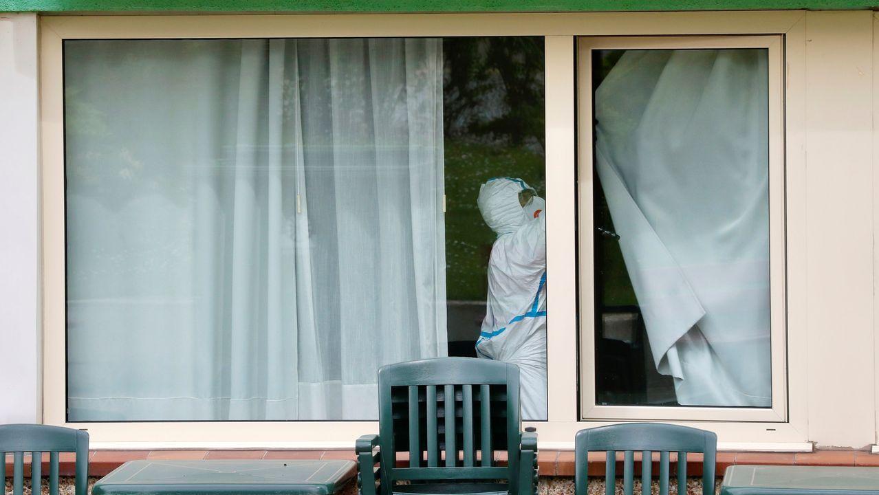 Concentración en defensa de los imputados por la ocupación de La Madreña.Trabajos de desinfección en la residencia de ancianos de Grado