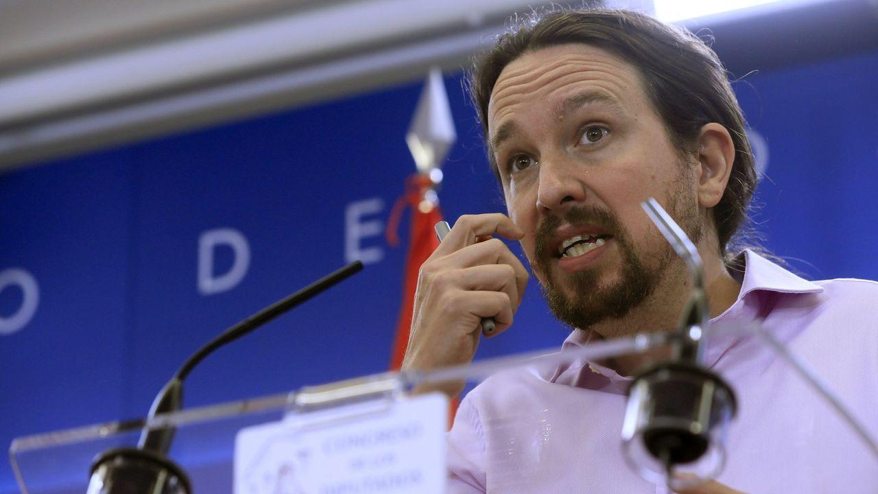 Pablo Iglesias se reafirma como alternativa al bipartidismo.Errejón junto a Óscar Urralburu y María Giménez, hasta ahora responsables de Podemos en Murcia