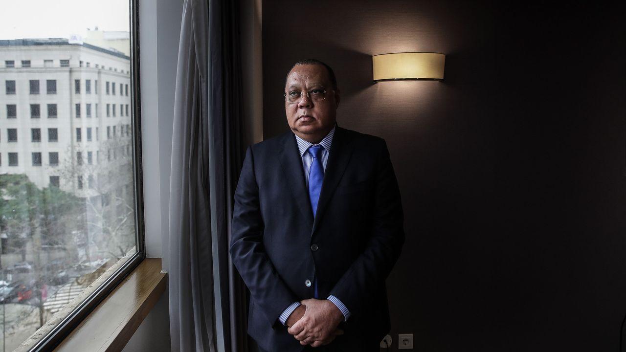 El fiscal general de Angola, Hélder Pitta Grós, aseguró en una entrevista que Dos Santos no será detenida si regresa a su país para ser interrogada