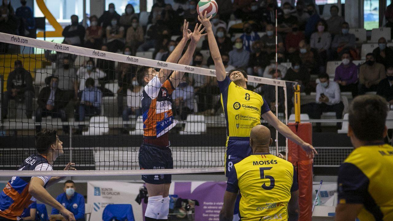 ¡Así fue el debut del Rotogal Boiro en la Superliga de voleibol!