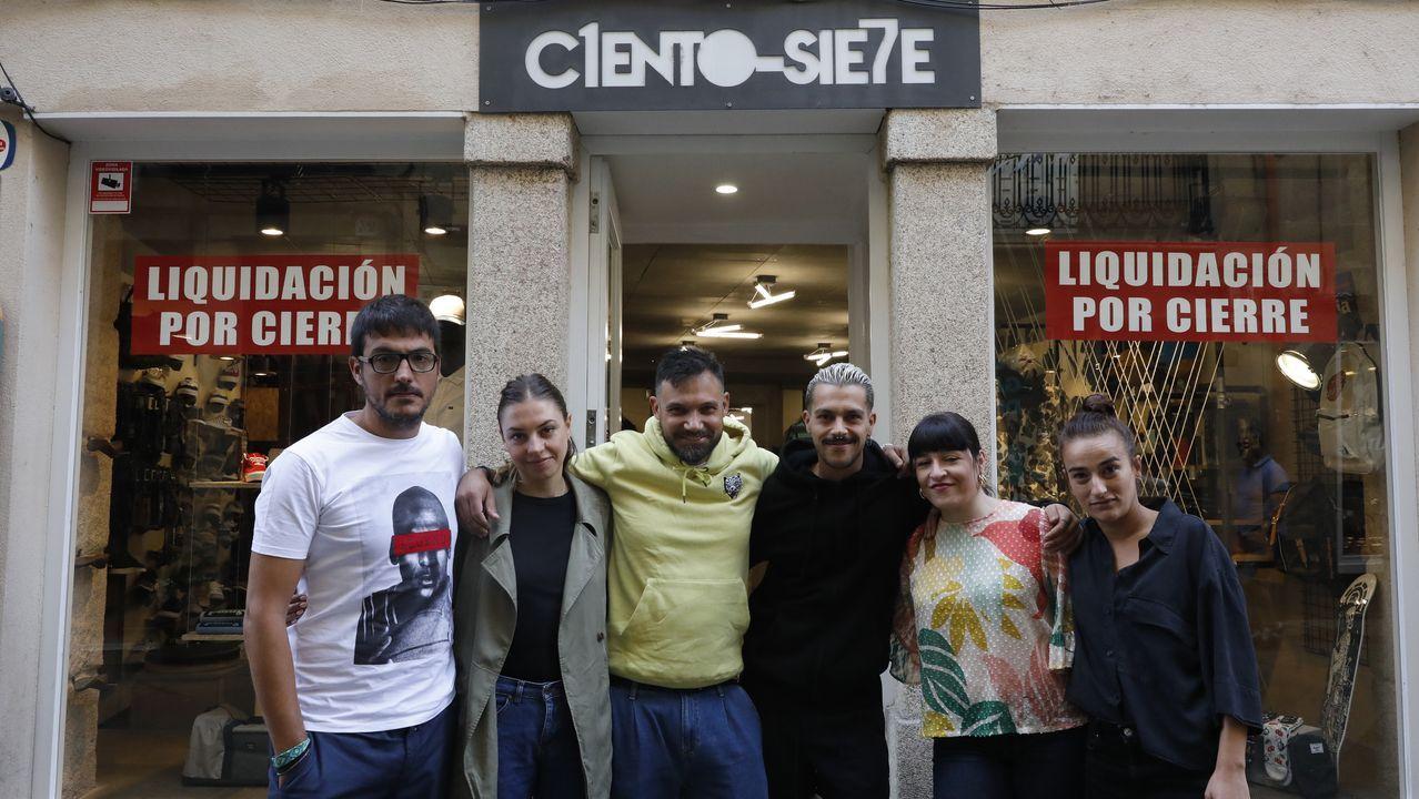 Las imágenes de la andaina inclusiva y accesible de Íntegro en Camariñas.Ramón Mariño, cantando no seu 101 aniversario