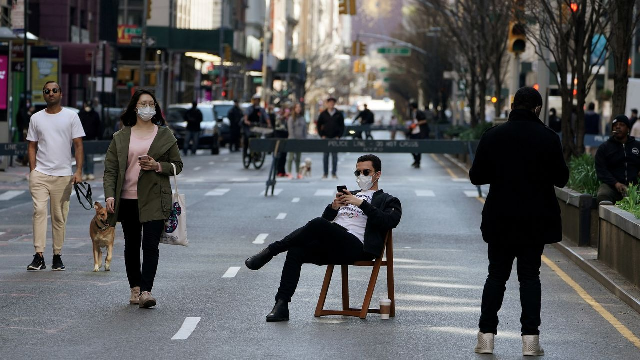 Una avenida de Manhattan, cerrada al tráfico.