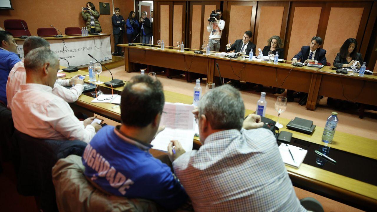 Expedientes amontonados en un juzgado tras la huelga de Justicia