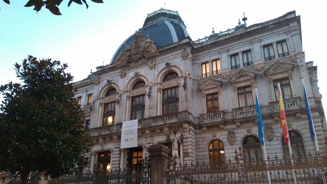 comisaría de Policía Nacional de Gijón.Junta General del Principado de Asturias