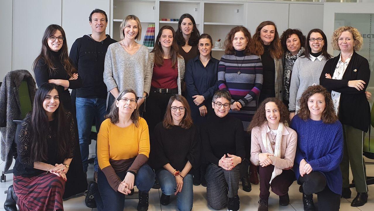 Grupo de mentoras del proyecto Inspira STEAM de la Universidade da Coruña para fomentar las vocaciones científicas y tecnológicas entre las niñas de educación primaria