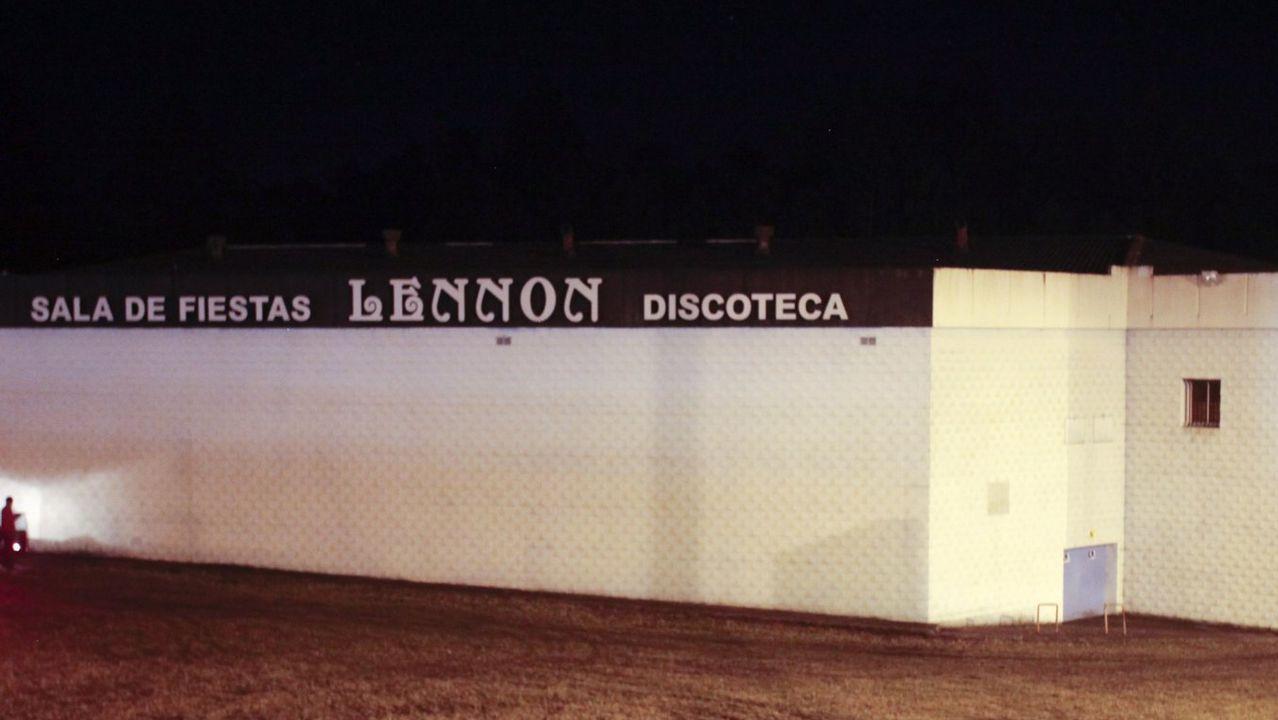 Exterior de la sala de fiestas Lennon