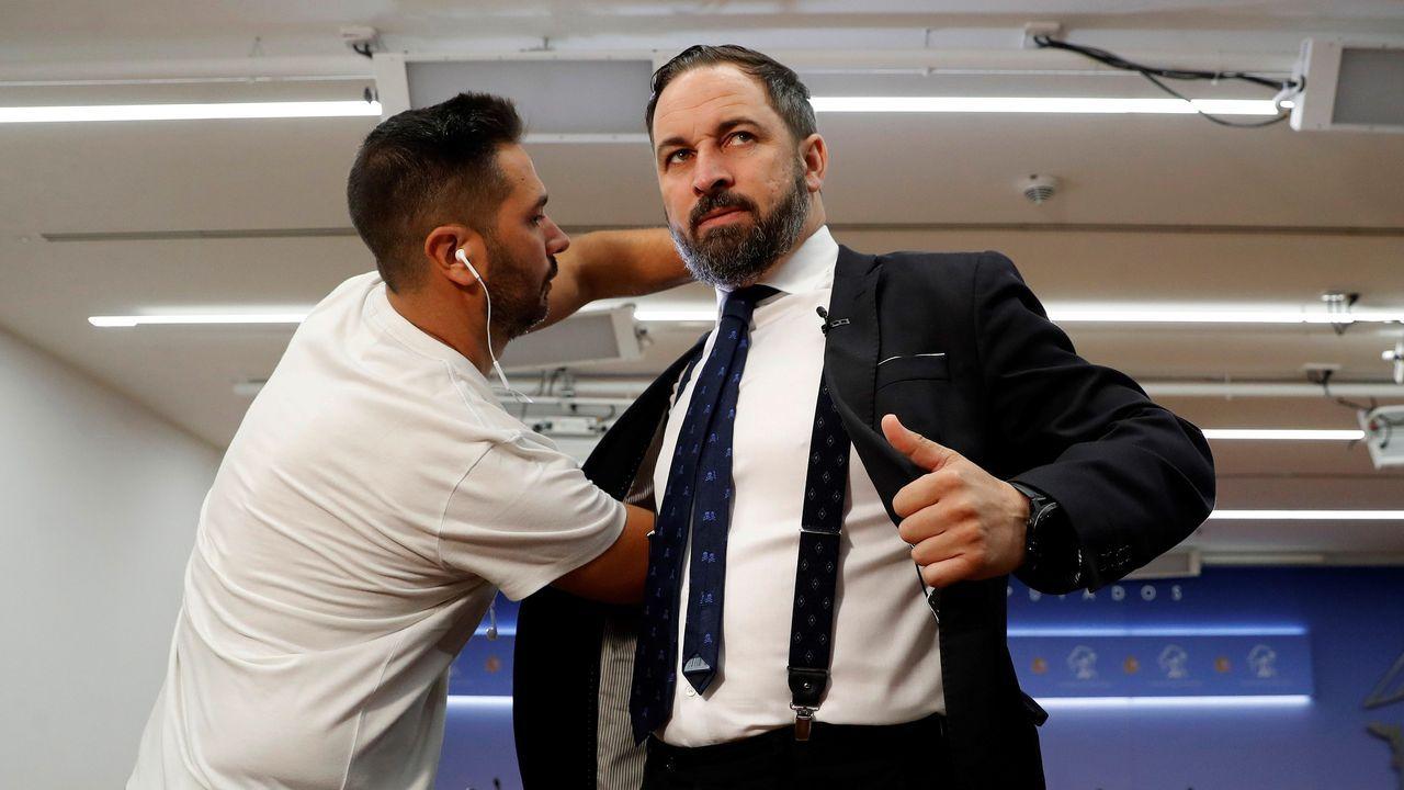 Sánchez acusa a Iglesias de romper unilateralmente las negociaciones con su consulta a las bases.Pedro Sánchez y Pablo Iglesias se reunieron este martes en el Congreso de los Diputados