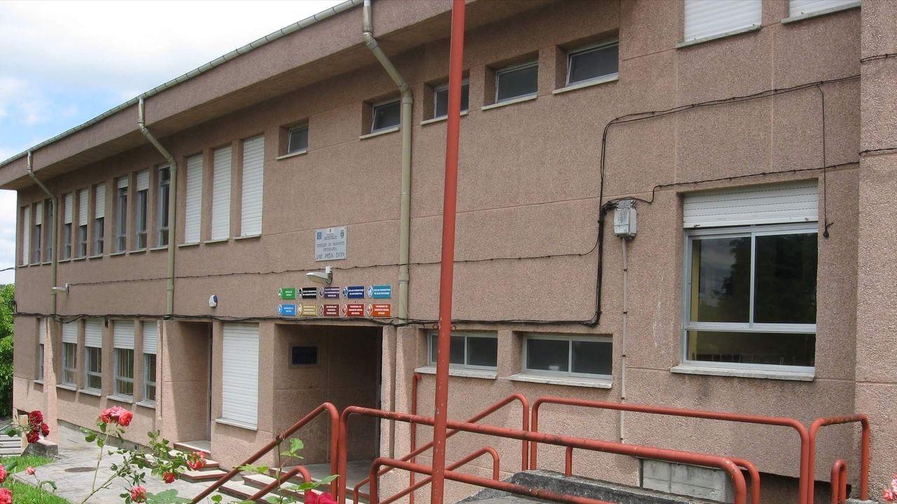 Fachada principal del IES Peña Novo, de Vilalba