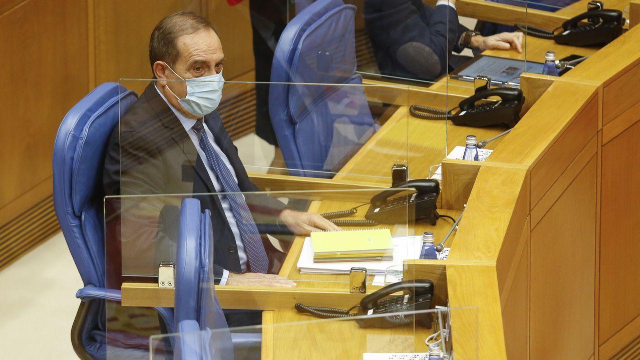 El conselleiro de Facenda Valeriano Martínez durante el pleno parlamentario del 20 de octubre
