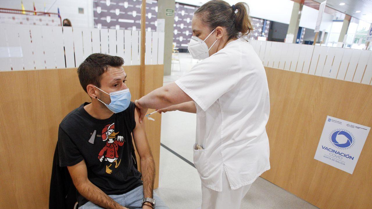 Las pruebas deben realizarse en una sala exclusiva, como la que ha reservado la farmacia Rolán, en Vilagarcía
