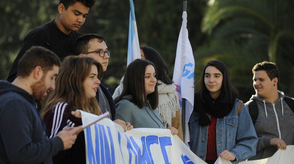 Protesta de estudiantes de arte dramático para reivindicar un título universitario