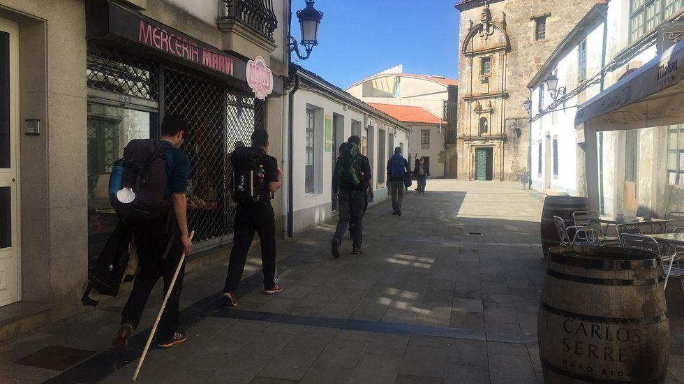Nieve en la comarca.Cayetano Martínez de Irujo y Francisco Camps reponiendo fuerzas en Melide