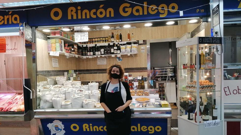 Manuela Canosa, de Muxía, en la tienda que regenta en la Villa de Vallecas